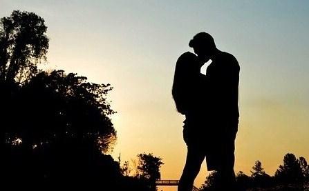 Les signes d'un homme amoureux